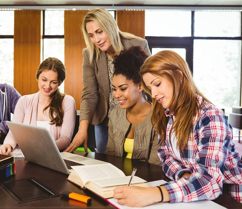 Διορθώσεις Εργασιών από επαγγελματίες συγγραφείς